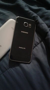 black Samsung Galaxy s6