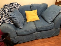 Blue jean fabric loveseat with throw pillows San Antonio, 78217