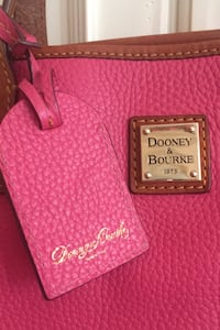 Dooney and Bourke pink pebble leather purse Herndon, 20171