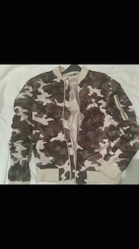 black and gray camouflage jacket Montreal, H2M