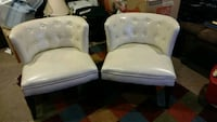 Two cream accent chairs 49 km