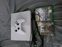 Xbox One console with controller and game case Littlerock, 93543