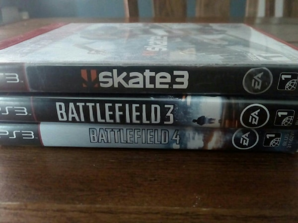 Skate 3 Battlefield 3 and 4 Sony PS4 game cases