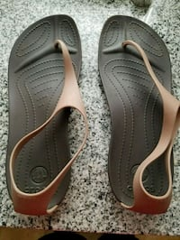 Croc sandals size 11 St. Louis, 63104