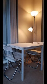 Wite table come with 2 chairs and lamp Vancouver, V6E