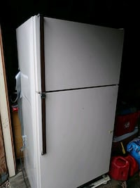 white top-mount refrigerator Heiskell, 37754