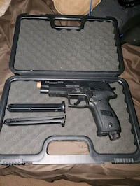 Paintball gun pistol