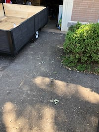 """6-9 utility trailer asking $500 new tires new floor and sidewalls comes with ownership all lights work it 2"""" hitche  Cambridge, N1R 4J2"""
