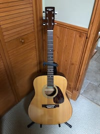 Yamaha eterna acoustic guitar with free delivery
