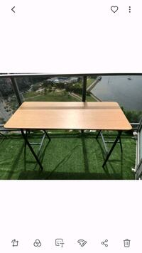Wood table + 2 trestles, pick up before the 31st  Vancouver, V6Z 3A9