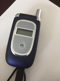 Motorola Flip Phone with Charger