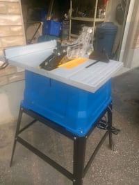 15 amp mastercraft table saw with stand only a few Kitchener
