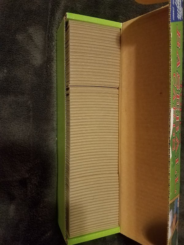 2 complete sets of 1987 1988 topps baseball cards  3fcb72b1-3641-4b19-9697-04d13067a1f9