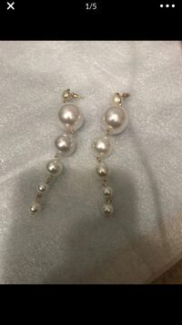 pair of silver and white pearl earrings Falls Church, 22041