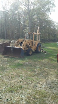 Ford backhoe ford 755A Holland, 01521