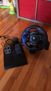 Logitech playstation steering wheel and pedals Montréal, H1R 2R3