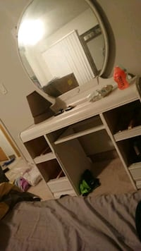white wooden desk with hutch Winnipeg, R2R