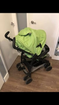 Baby's green and black stroller Burnaby, V5A 4G5