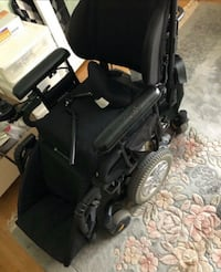 Electric Power Wheelchair and 2 specialized seats Vaughan, L4L 3S7