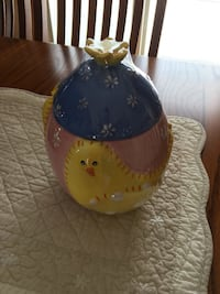 Easter cookie jar/canister Methuen, 01844