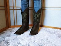 USA Justin made cowboy boots for women, size 8 Woodstock