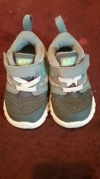 toddler's gray-and-white Nike shoes Columbus, 43211
