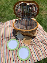 NEW Picnic Basket with Everything  Included Burke, 22015