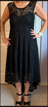 Selling ladies dress from (Laura) Coquitlam, V3E 2X8