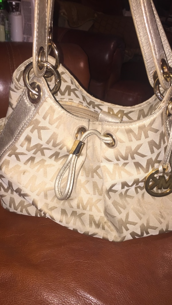 a0b3db4a917a6 Used Michael kors gold purse for sale in Fremont - letgo