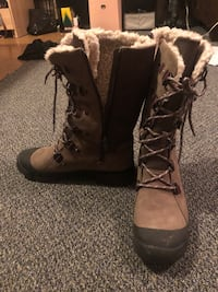 Pair of brown winter snow  boots Silver Spring, 20901
