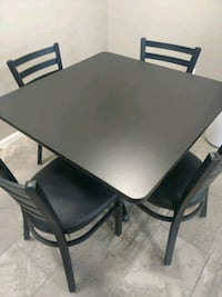 Table and chairs new in box Dayton, 45449