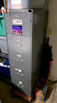 5 drawer metal cabinet  Kissimmee, 34746