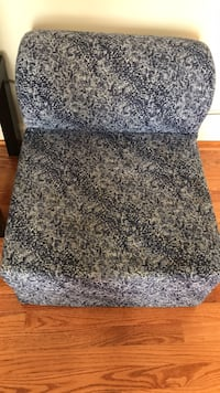 gray and black floral fabric chair Gainesville, 20155