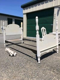 White Twin Size Bed with Posts