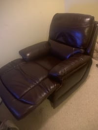 New Simon li leather recliner Rockville, 20852