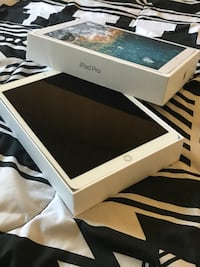 white iPad with box and case Rolling Meadows, 60008