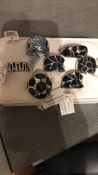 Rings 10$ each or 50$ everything Montréal, H3G 1B7