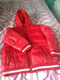 Jacket Red and line white size 5T   23 km