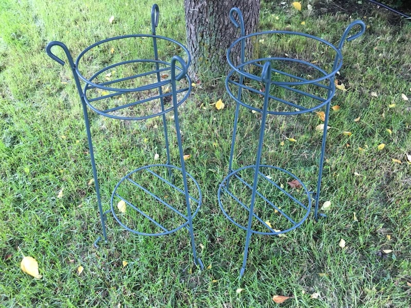 Two Tier Plant Stands b98f97e4-721d-40ce-9846-ad5c45386bab
