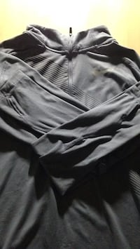 Grey drifit Nike running long sleeve  Vancouver, V6P 3K6