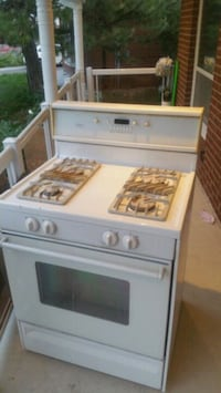 $ 200. OBO   Amana, self cleaning oven gas stove Toronto, M9V 3W8