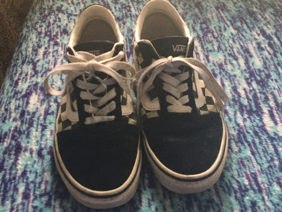 Photo Checkered black and white vans size 7