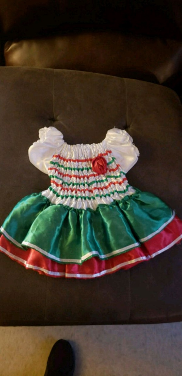 1959b7695ba42 Used girl's green and red dress for sale in Brownsville - letgo