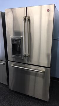 GE Fridge — warranty and delivery  Toronto, M3J 3K7