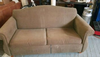 Hotel style pullout couch