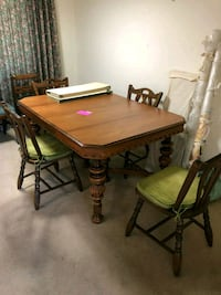 Table and Chairs (Expandable) OBO Littleton, 80120