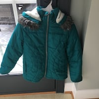 Girls size 7/8 green coat  Centreville, 20120