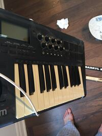 Axiom 25 keyboard and drum machine Mississauga, L5H