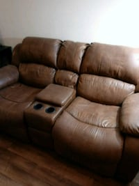 Manual recliner couch. (Bring some muscle with you) Las Vegas, 89123
