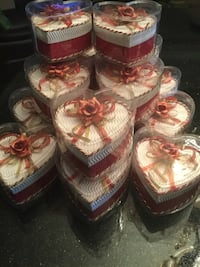 16 Red and White Heart Shaped Gift Boxes Brand New Ideal For Weddings And All Occasions Toronto, M1V 2N6